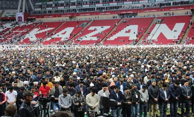 Tataristan Kazan'da, 15 bin kişilik İftar