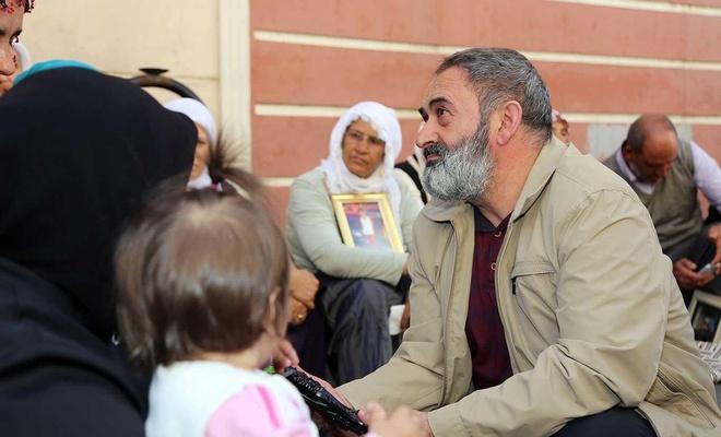 Dursun Ali Erzincanlı'dan annelere destek ziyareti