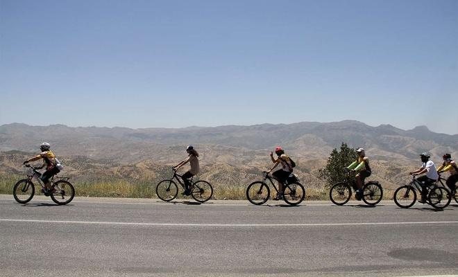Şırnak'ta 225 sporcunun katılımıyla düzenlenen bisiklet festivali başladı