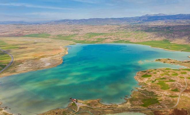 Tödürge Gölü biyolojik zenginliği ile hayranlık uyandırıyor