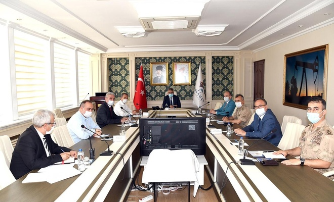 Adıyaman'da camilerin ibadete açılmasıyla ilgili toplantı yapıldı
