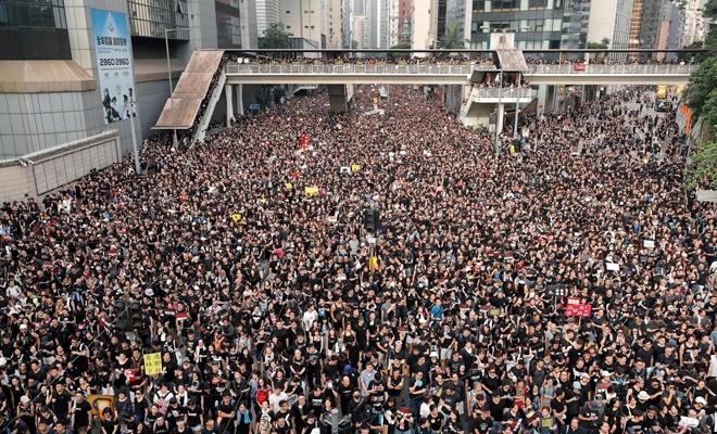 Çin'den 'Hong Kong'da suçlular cezalandırılacak' uyarısı