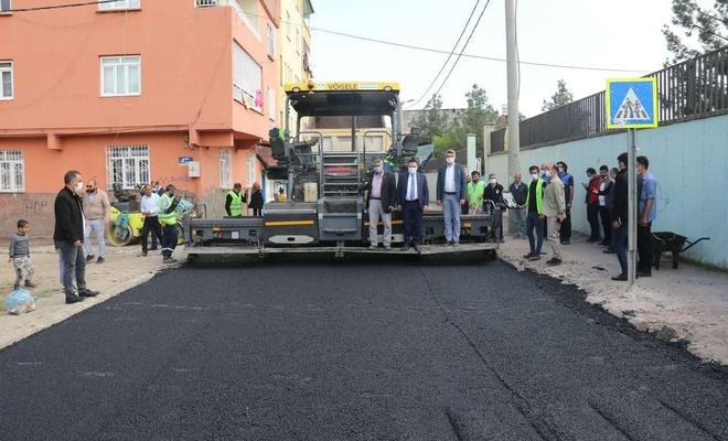 Diyarbakır sokaklarında asfalt çalışmaları devam ediyor