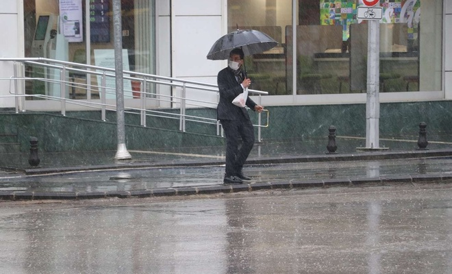 Kuraklık riski altındaki Gaziantep'te yağan yağmur sevindirdi
