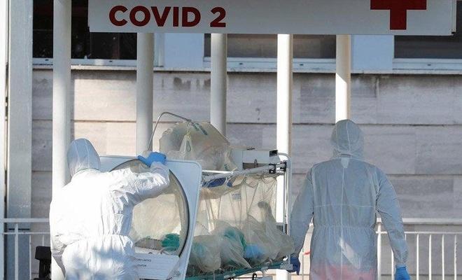İtalya'da Kovid-19 salgınında son 24 saatte 23 bin 641 vaka kaydedildi