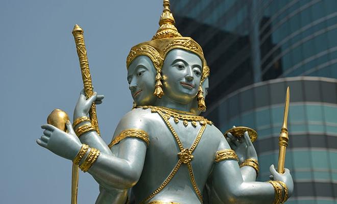 Buda'ya tapan adam giyotinle kafasını kesti