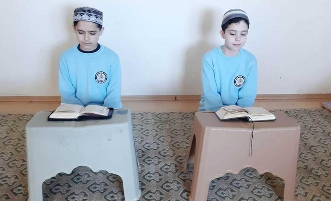 Atakan kadar konuşulur mu? 10 yaşındaki Kur'an aşığı iki çocuk 8 ayda hafız oldu