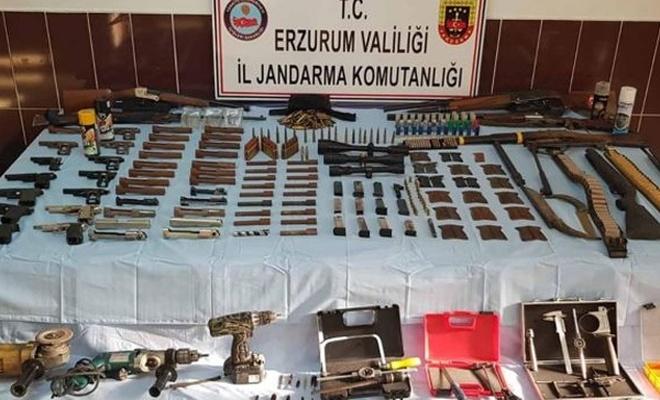 Erzurum`da silah ve mühimmat ele geçirildi