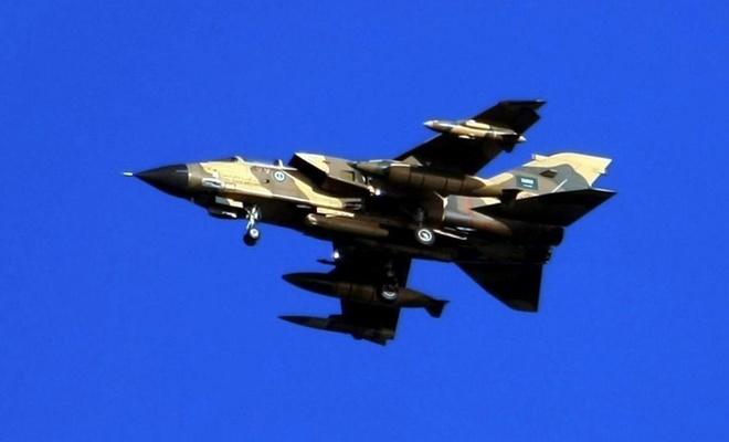 Suudi'de ayırım yok.. İlaç ve gıda taşıyan aracı bombaladılar!