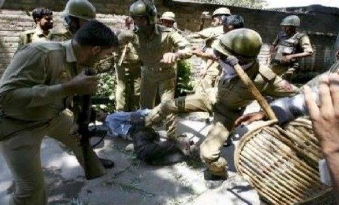 Ordu ve Hindu çeteler Müslümanları zorla evlerinden çıkartıyor