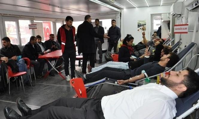 Kızılay vatandaşları kan vermeye çağırdı