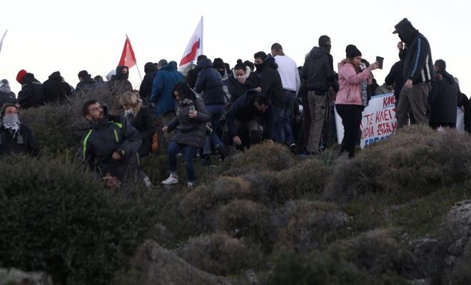 Yunanlar sokağa çıktı! Göçmen istemiyoruz