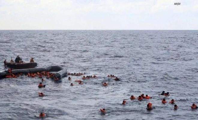 Düzensiz göçmenleri taşıyan tekne battı
