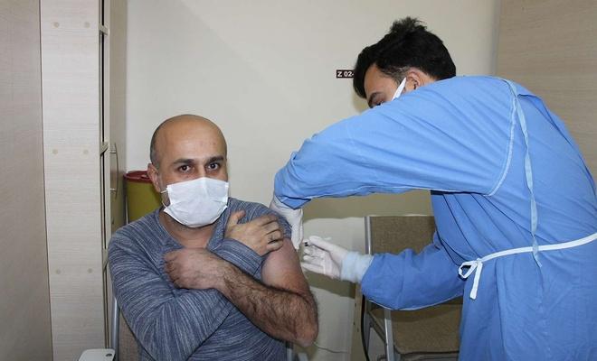 """Gaziantep Valisi Gül'den """"aşı olun"""" çağrısı"""