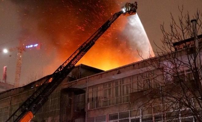Kağıthane'de tekstil atölyesinde yangın