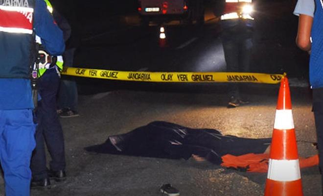 Yardım için duran otomobil dehşet saçtı: İki kişi öldü