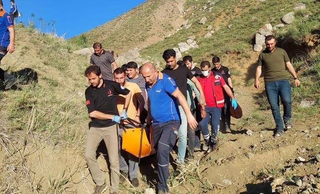 Kayalıklardan düşen kişi AFAD ve UMKE ekipleri tarafından kurtarıldı