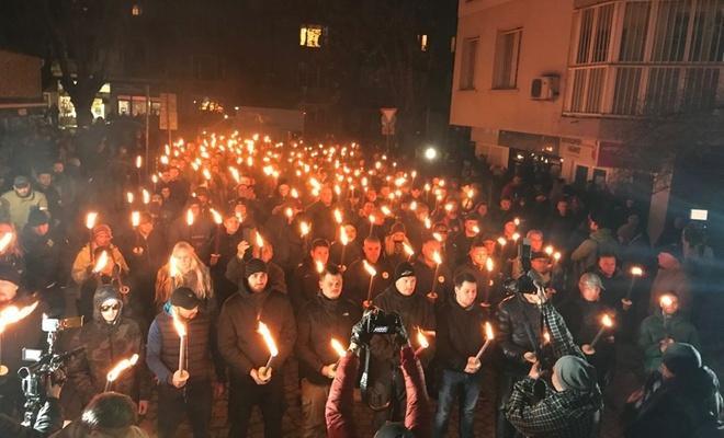 Bulgaristan'da ırkçılar sokağa çıktı
