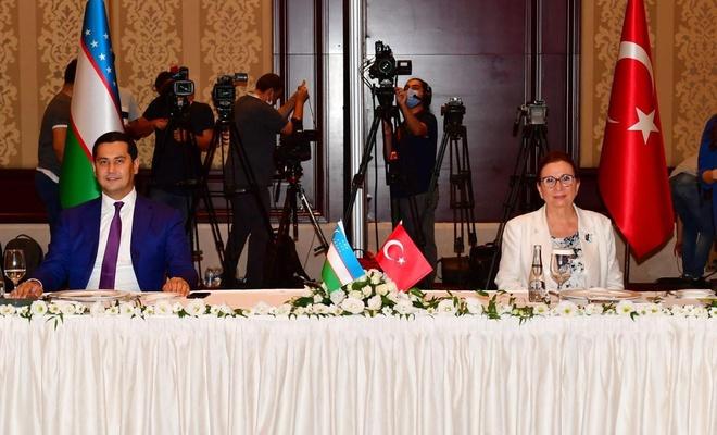 Ticaret Bakanı Pekcan, Özbekistanlı yetkililerle bir araya geldi
