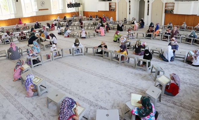 Yaz Kur'an Kursları yoğun ilgi görüyor