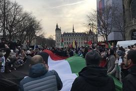 Paris`te ABD`nin Kudüs kararını protesto etti