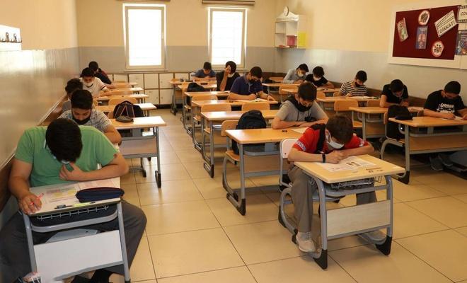 Vanlı öğrenciler LGS'de büyük başarı elde etti