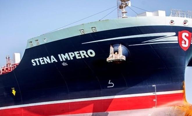 İran, İngiltere'ye ait petrol tankerini bırakıyor