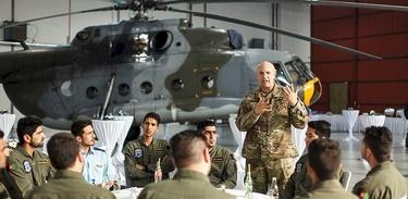 Taliban'ın yeni hedefi ABD'de eğitilen Afgan savaş pilotları