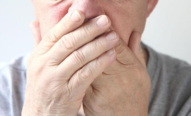 Şeker hastalarının ağız kuruluğu sorunu ve implant tedavisi