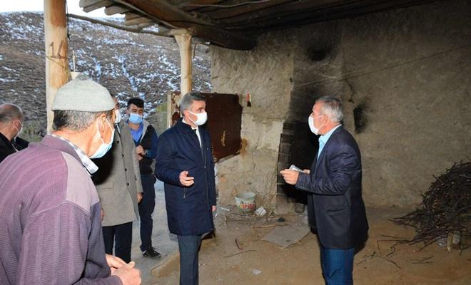 Malatya Valisi Baruş, deprem bölgesinde incelemelerde bulundu