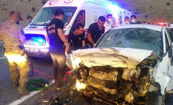 Malatya'da trafik kazası: Ölü ve yaralılar var