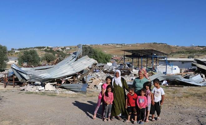 Ankara'da besicilerin ev, mandıra ve ahırları belediye tarafından yıkıldı