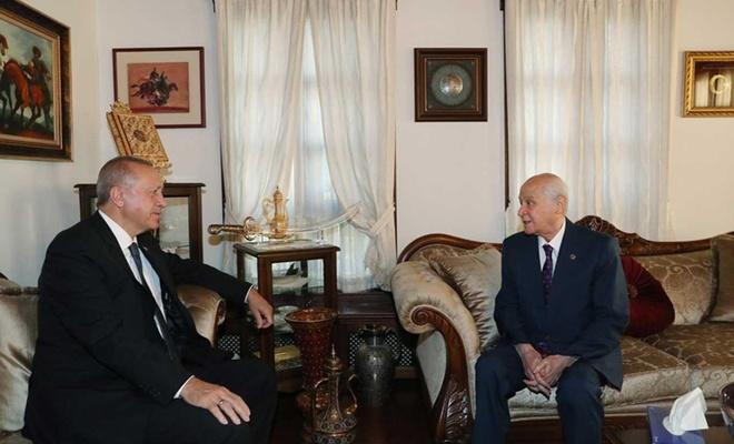 Cumhurbaşkanı Erdoğan, Bahçeli'yi evinde ziyaret etti