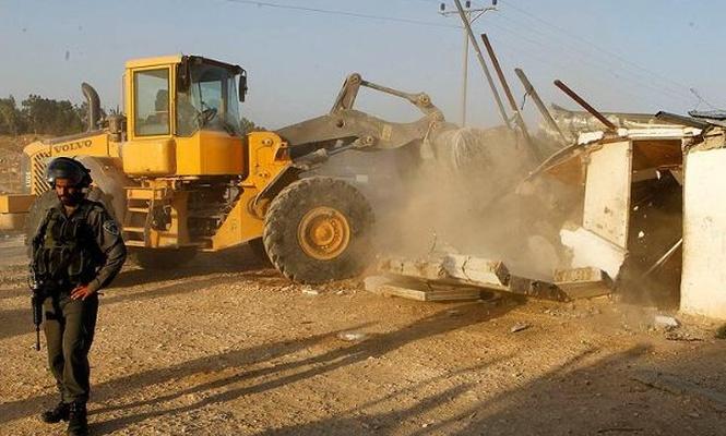 İşgalciler Batı Şeria`da Filistinli ailenin evini yıktı