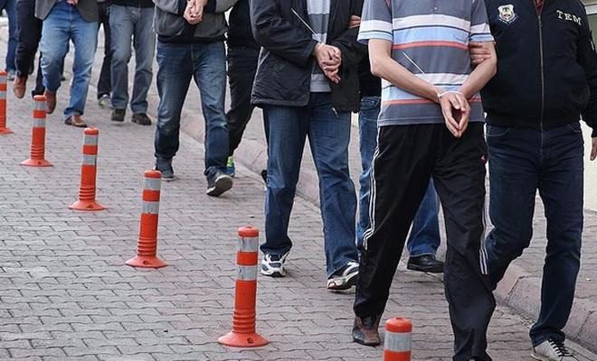 17 kamu personeli FETÖ`den gözaltına alındı