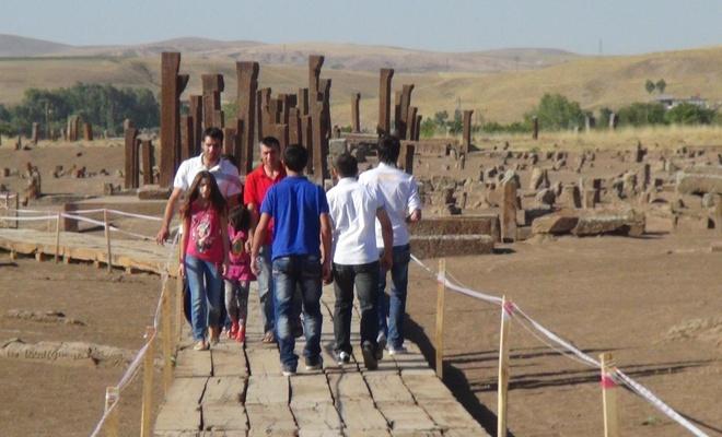Açık hava müzesi Bitlis'e yoğun turist akını