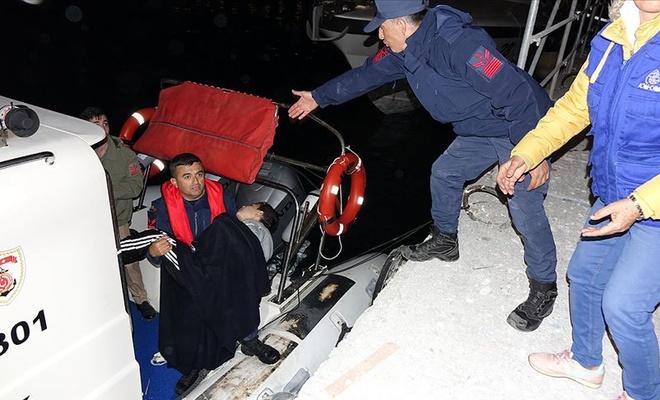 Çanakkale açıklarında göçmenleri taşıyan tekne battı!