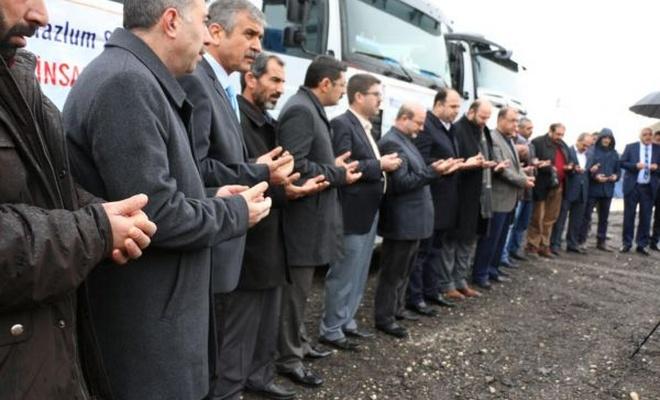 Halep`e 4 TIR yardım gönderildi