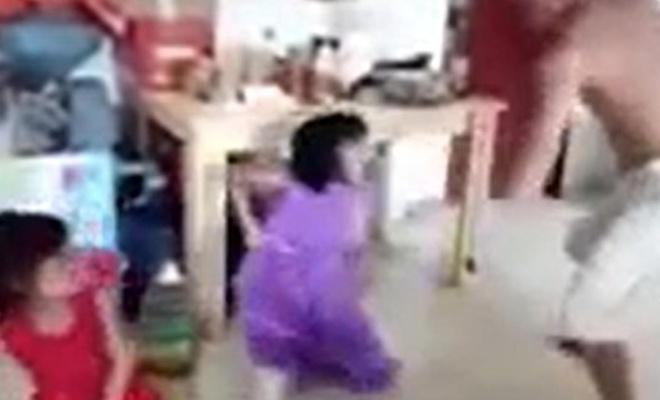 Çinlinin Doğu Türkistanlı çocukları acımasızca işkence etmesi kameralara yansıdı