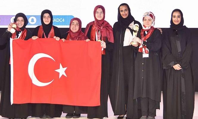 50 ülkenin katıldığı Arapça Münazarada 1. oldular