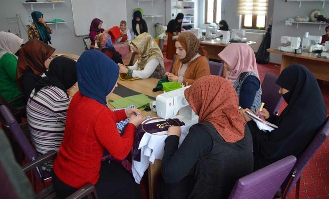 Ağrılı kadınlar ADEM'le ev ekonomilerine katkı sağlıyorlar