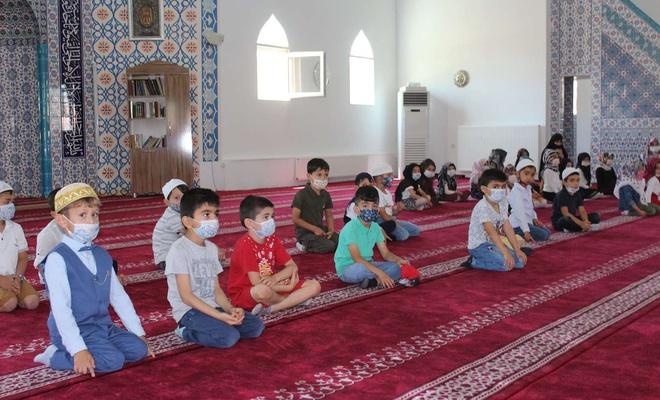 4-6 yaş Kur'an Kursu öğrencileri karne sevinci yaşadı