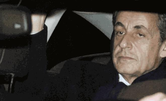 Fransa eski cumhurbaşkanı Sarkozy'nin yolsuzluk ve suç örgütü davası ertelendi