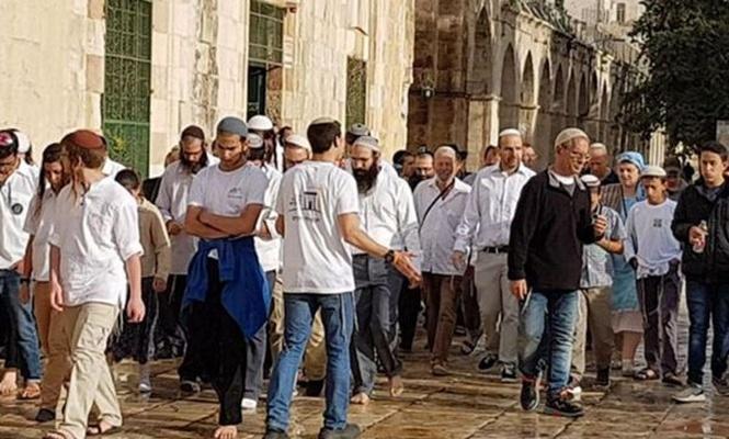 Yüzlerce Siyonist Mescid-i Aksa`ya baskın düzenledi