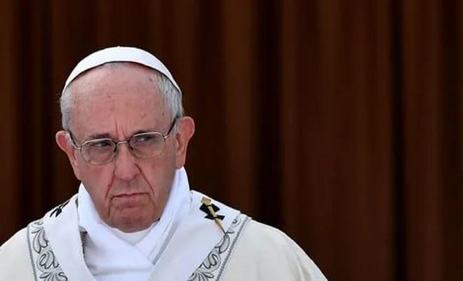 Papa'dan tarihte bir ilk