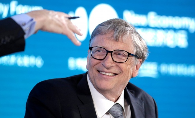 Bill Gates, insanlara çip takılacağı iddiasına yanıt verdi