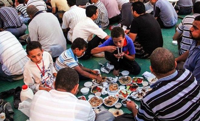 Mısır'da iftar çadırları artık hayal oldu!