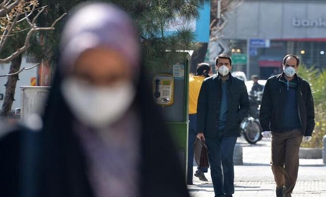 İran'da son 24 saatte 335 kişi Kovid-19'dan hayatını kaybetti