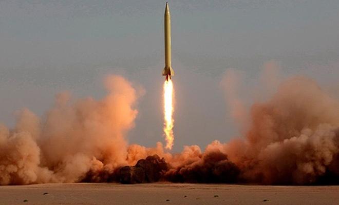 ایران از زیر زمین موشک بالستیک شلیک کرد