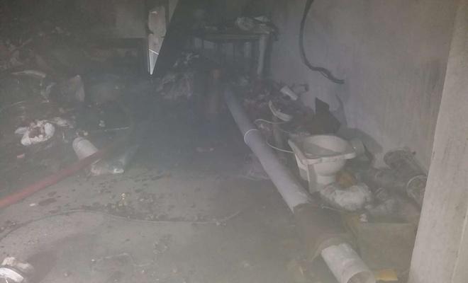 Malatya'da bir iş yeri ile bir evde yangın çıktı